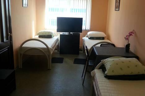 Сдается 4-комнатная квартира посуточно в Миассе, ул. Тургоякское шоссе  3/11.