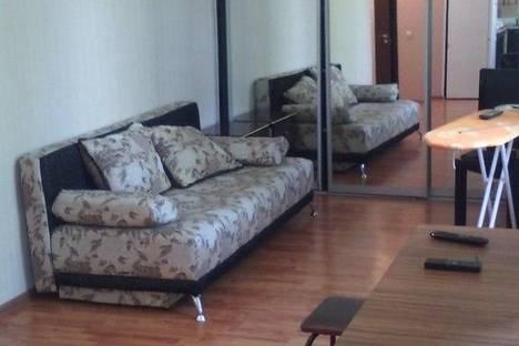 Сдается 2-комнатная квартира посуточно в Нижнем Тагиле, ул. Карла Маркса, 97-30.