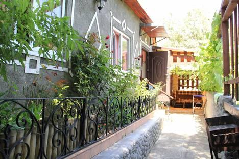 Сдается коттедж посуточнов Ливадии, Крым,улица Батурина, 16.