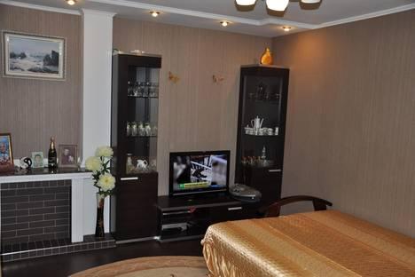 Сдается 3-комнатная квартира посуточнов Малом маяке, ул . Партенитская  дом  11.