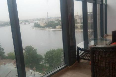 Сдается 1-комнатная квартира посуточно, проспект Обуховской Обороны, 110.