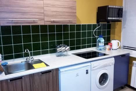 Сдается 3-комнатная квартира посуточно в Волжском, ул. 7 Автодорога, дом 30.