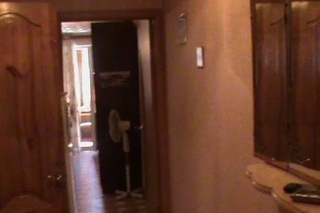 Сдается 1-комнатная квартира посуточно в Алуште, Ялтинская 17.