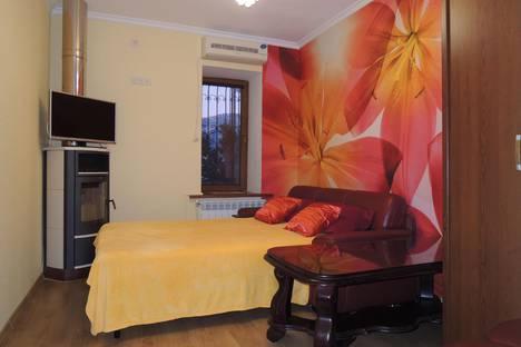 Сдается 2-комнатная квартира посуточно в Ялте, Матросский пер. д. 4.