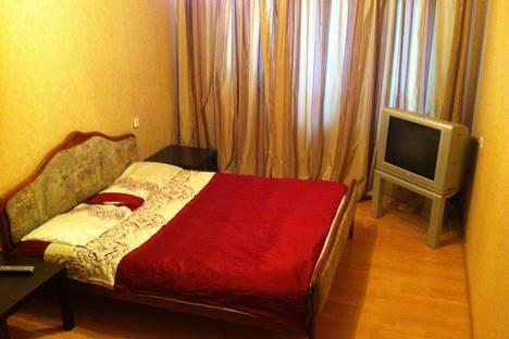 Сдается 1-комнатная квартира посуточно в Ярославле, ул. Угличская, 5.