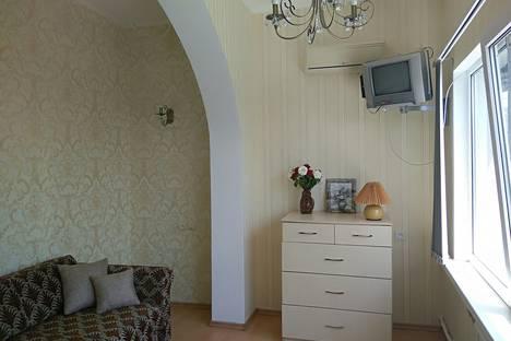 Сдается 2-комнатная квартира посуточно в Алупке, Калинина 14.