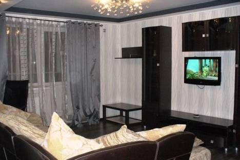 Сдается 3-комнатная квартира посуточно в Ярославле, проспект Октября, 17б.