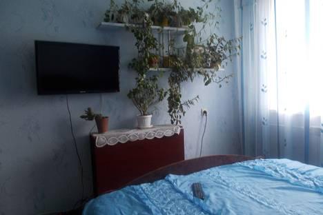 Сдается 2-комнатная квартира посуточно в Яровом, квартал А дом16.