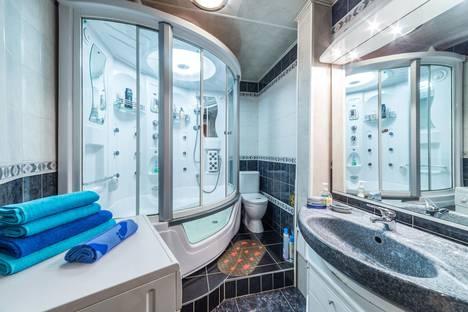 Сдается 2-комнатная квартира посуточно в Екатеринбурге, ул. Большакова, 109.
