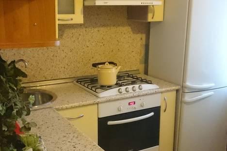 Сдается 2-комнатная квартира посуточно в Туле, улица Тульского Рабочего Полка, 102А.
