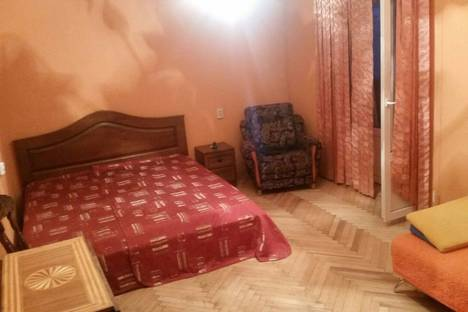 Сдается 2-комнатная квартира посуточно в Сочи, Навагинская, 12.