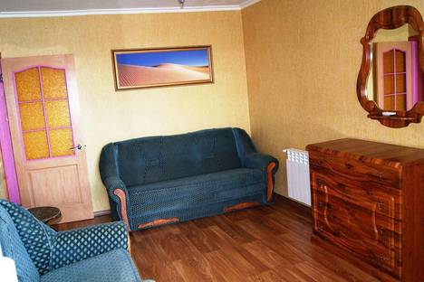 Сдается 2-комнатная квартира посуточнов Новом Свете, Двухкомнатная квартира Голицына 32.