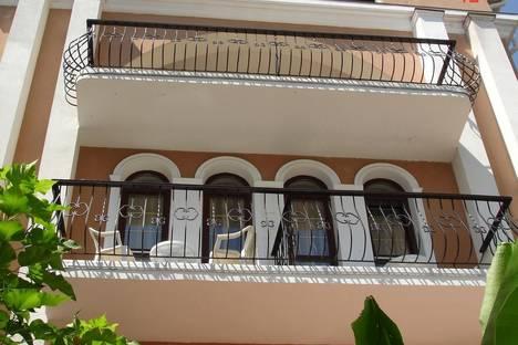 Сдается 1-комнатная квартира посуточнов Ливадии, Крым,улица Коммунаров, 1.