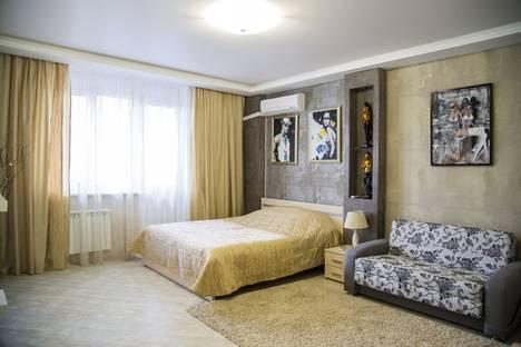 Сдается 1-комнатная квартира посуточнов Красноярске, Алексеева, 51.
