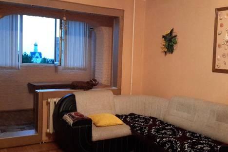 Сдается 2-комнатная квартира посуточно, ул. Ленина, 175.