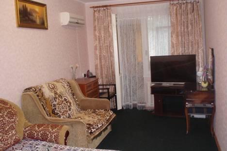 Сдается 2-комнатная квартира посуточно в Гурзуфе, ул.Ленинградская, д.31.