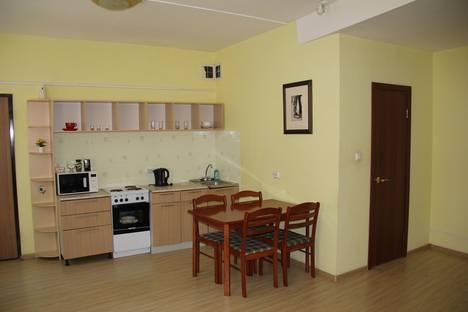 Сдается 2-комнатная квартира посуточново Владивостоке, переулок Почтовый, 15.
