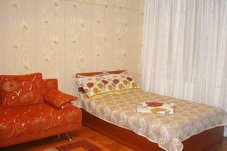 Сдается 1-комнатная квартира посуточно в Алматы, ул. Амангельды, 49.
