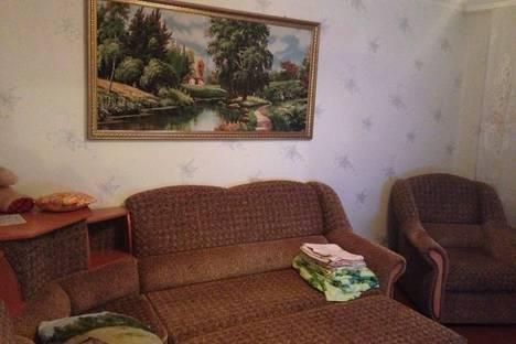 Сдается 2-комнатная квартира посуточно в Яровом, Квартал А, 24.