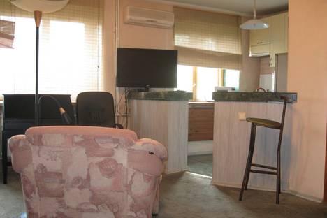 Сдается 1-комнатная квартира посуточнов Омске, ул. Гагарина, 2.