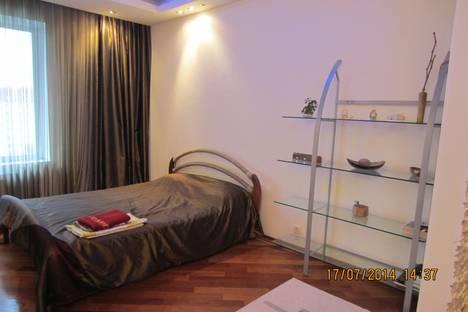 Сдается 1-комнатная квартира посуточно в Нижневартовске, Ленина 36 б.