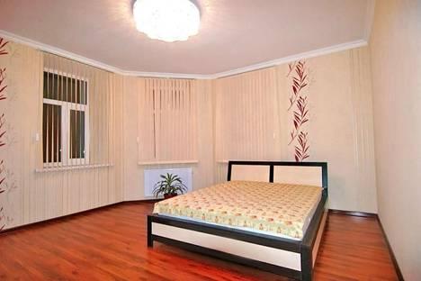 Сдается 3-комнатная квартира посуточно в Ялте, Кирова 39а.