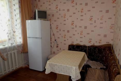 Сдается 2-комнатная квартира посуточно в Судаке, ул.Ленина 33,кв.27.