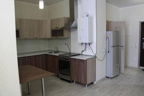 Сдается 1-комнатная квартира посуточно в Геленджике, ул. Луначарского, 116.