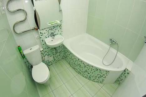 Сдается 1-комнатная квартира посуточно в Киеве, ул. Льва Толстого 49.