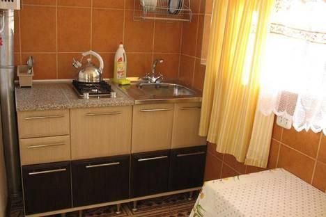 Сдается 1-комнатная квартира посуточно в Алуште, Октябрьская ул., 19.