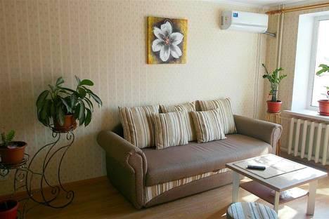Сдается 2-комнатная квартира посуточно в Саратове, ул. Новоузенская, 180 а.