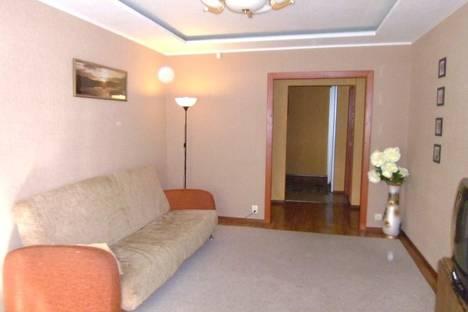 Сдается 4-комнатная квартира посуточно в Набережных Челнах, Автомобилестроителей, 12.