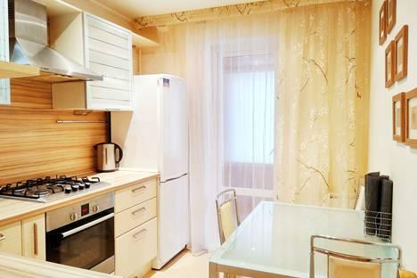 Сдается 2-комнатная квартира посуточно в Набережных Челнах, пр. Сююмбике, 64.