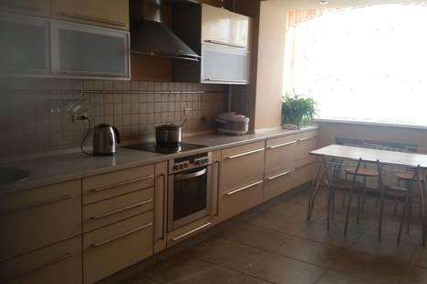 Сдается 3-комнатная квартира посуточно в Старом Осколе, мкр.Олимпийский 41.