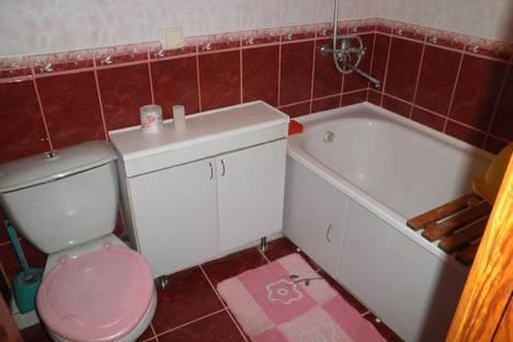 Сдается 2-комнатная квартира посуточно в Алуште, Ленина 38.