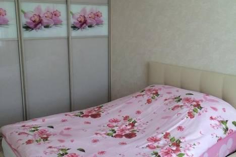 Сдается 2-комнатная квартира посуточно в Хабаровске, ул. Ленинградская, 63.