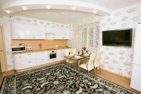 Сдается 2-комнатная квартира посуточно в Новосибирске, Овражная ул, 10.