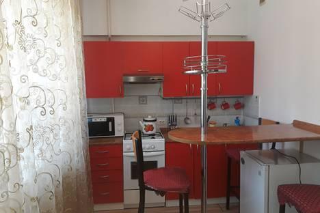 Сдается 1-комнатная квартира посуточно, проспект Ходжимукана 28.