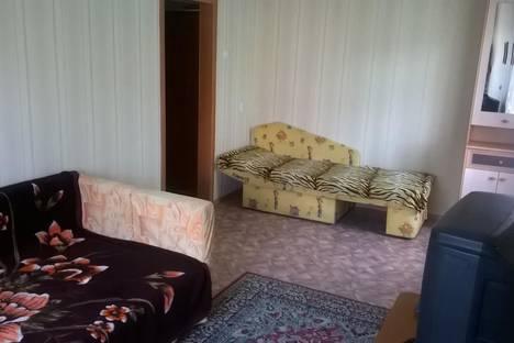 Сдается 2-комнатная квартира посуточно в Белокурихе, ул. Шукшина, 4.