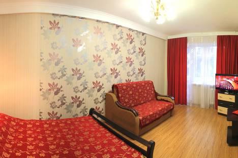 Сдается 1-комнатная квартира посуточно, Пр-т Г.Острякова 7.