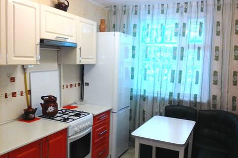 Сдается 2-комнатная квартира посуточно в Яровом, В квартал 16.