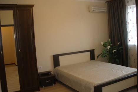 Сдается 1-комнатная квартира посуточно в Астрахани, ул. Савушкина, 6к7.