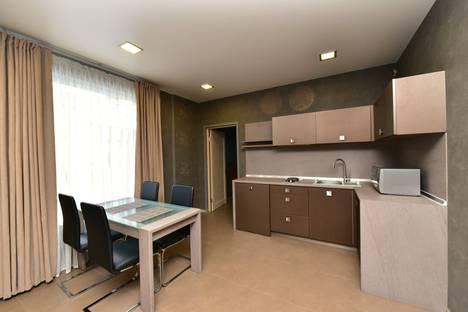 Сдается 2-комнатная квартира посуточнов Ялте, Кирова 1.