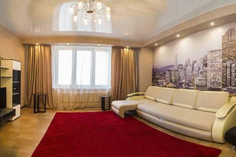 Сдается 2-комнатная квартира посуточно в Красноярске, Шахтеров, 44.