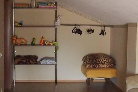 Сдается 2-комнатная квартира посуточнов Абзаково, п. Зеленая поляна, Солнечная ул., 37.