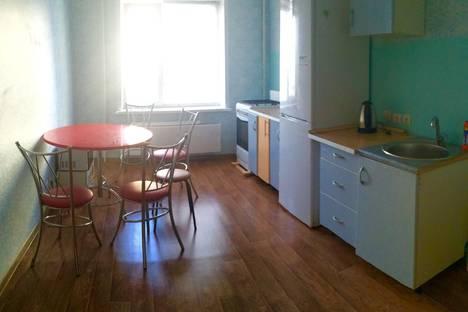 Сдается 2-комнатная квартира посуточно в Балакове, ул. 30 лет Победы, 7.