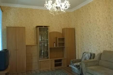 Сдается 2-комнатная квартира посуточно в Алуште, Октябрьская 7.