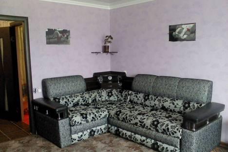 Сдается 1-комнатная квартира посуточнов Октябрьском, Ул. Кортунова 12.