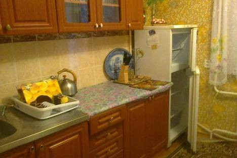Сдается 2-комнатная квартира посуточно в Судаке, серный 5.