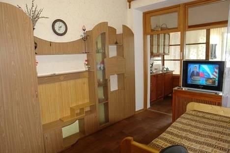 Сдается 2-комнатная квартира посуточно в Симеизе, Советская 38 кв18.